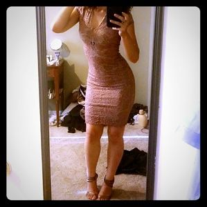 Dusty Pink Lace Bodycon Dress